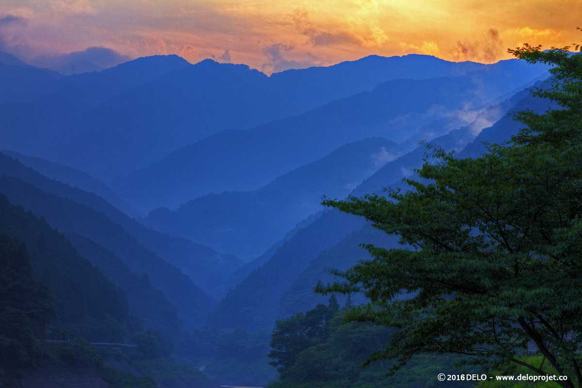 Beautiful Japanese scenes at the end of the day